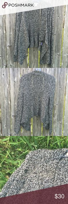 Open Front Sweater Fall & winter are around the corner. This is comfy long sleeve open front cardigan with a flecked front. Embedded with metallic thread. Comes with an extra thread. 88% Acrylic, 10% Polyester, 2% Other Fibers. Bar III Sweaters Cardigans