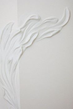 """Ornament Leaf"" putty by Ksenija Kalashnik in Barelief. Studio KseniKa @ksenikastudio #flowers #barelief #walldecor #walls #art #painting #interior #interiordesign #wallpainting #artdeco #wallflowers #putty #puttyinbarelief #plasterputty #riga #latvia @ksenikastudio Настенная роспись ""Орнамент лепестка"" в барельефе. Шпаклевка от Ксении Калашник #цветы #барельеф #декорстен #стены #арт #живопись #интерьер #дизайнинтерьера #рига #латвия #шпаклевка Wall Decor, Painting, Ornaments, Studio, Art, Wall Hanging Decor, Art Background, Painting Art, Kunst"