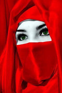 Most beautiful women in the West Beautiful Muslim Women, Beautiful Hijab, Beautiful Eyes, Beautiful People, Hijabi Girl, Muslim Girls, Girls Dpz, Girls Image, Girl Face