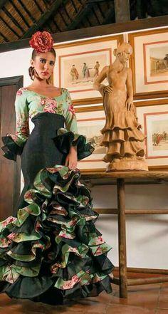 Dance Dresses, Cute Dresses, Beautiful Dresses, Flamenco Costume, Dance Costumes, Spanish Dress, Tango Dress, Red Bridesmaid Dresses, Spanish Fashion