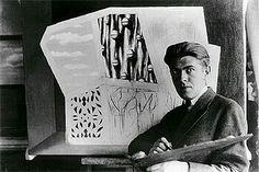 Magritte trabajando