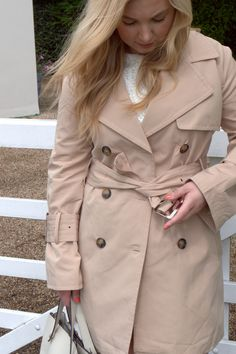 The Classic Trench Coat. See my favourite trench coat picks this summer and how I style the most timeless jacket in your wardrobe! Classic Trench Coat, Photo And Video, My Favorite Things, My Style, Summer, Jackets, Fashion, Moda, Summer Recipes