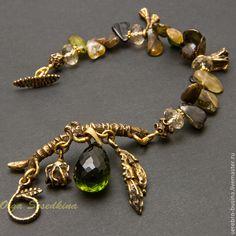 Купить Браслет. Реликтовый лес. - зелёный, браслет из камней, браслет с камнями, браслет с подвесками