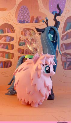 mlp фигурки,mane 6,my little pony,Мой маленький пони,фэндомы,minor,Queen Chrysalis,Королева Крисалис,Fluffle Puff,mlp OC ,Fluttershy,Флаттершай,Flutterbat,Batpony,Twilight Sparkle,Твайлайт Спаркл,Spike,Спайк,mlp crossover,Princess Luna,принцесса Луна,royal,Sunset Shimmer,mlp милитаризм,Trixie