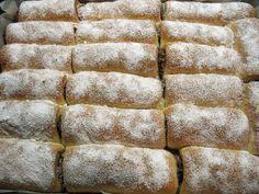 Úžasne chutné domáce mini-rolky, po ktorých sa u vás doma len tak zapráši. Romanian Food, Amazing Cakes, Nutella, Cheesecake, Rolls, Bread, Baking, Sweet, Basket