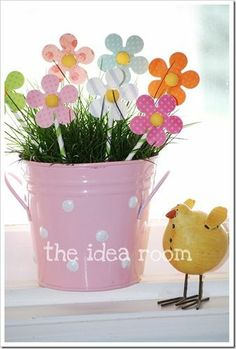 6 Easy Adorable DIY Easter Crafts summer-fun-kid-crafts-and-activities Spring Crafts, Holiday Crafts, Holiday Fun, Holiday Parties, Easter Projects, Easter Crafts, Easter Ideas, Easter Parade, Hoppy Easter