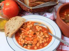 Receta de Sopa de Alubias | Una deliciosa y llenadora sopa de frijoles blancos (alubias) y jamón.