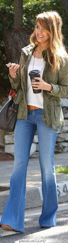Seen on Celebrity Style Guide: Jessica Alba wears Level 99 Dahlia Flare Fit Jeans at the Santa Monica April 2013 Fashion Moda, Look Fashion, Womens Fashion, Gq Fashion, Nail Fashion, Grunge Fashion, Fashion 2020, Denim Fashion, Runway Fashion