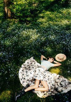 Karlie Kloss by Mario Testino for Vogue #romantic #style #fashion #editorial #floralprint