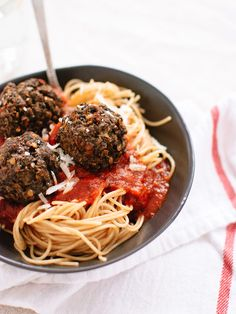 """Lentil and Mushroom Meatballs - now THIS is #vegetarian comfort food! Instead of using meat, use lentils and mushrooms to create hearty """"meat""""balls to serve with your favorite sauce over pasta. So good (and healthy!)"""