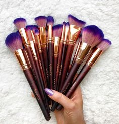 off Fairytale Collection Vol 2 with code FAIRYTALE promo ends 1 Nov Vegan and cruelty free makeup brushes, perfect gift this Christmas! Best Makeup Brushes, Eyeshadow Brushes, Best Makeup Products, Makeup Brush Cleaner, Makeup Brush Set, Christmas Makeup Look, Korean Makeup Tutorials, Vlog, Makeup Guide