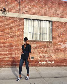 Marquise C Brown street style Honey, Normcore, Street Style, Brown, My Style, Heels, Instagram Posts, Fashion, Heel