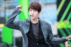 12.06.08 Music Bank at Jeonju (Cr: see the light: 19920506.com)