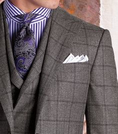 Nice 3 piece with good color combo