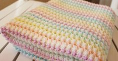 Starlight Baby Blanket    This crochet pattern / tutorial is available for free...     Full post:  Starlight Baby Blanket