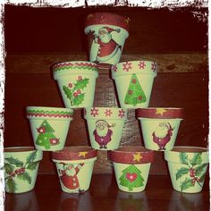 Navideñas mini Ceramic Pots, Terracotta Pots, Clay Pots, Christmas Clay, Christmas Projects, Christmas Ornaments, Painted Plant Pots, Flower Pot Design, Clay Paint