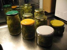 säilötyt vihreät tomaatit - Resepti | Kotikokki.net Make Your Own, Make It Yourself, How To Make, Side Dishes, Food And Drink, Jar, Diy Crafts, Side Plates, Jars