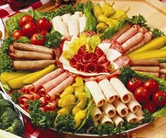 meat and cheese tray ideas meat cheese tray serves 20 24 guests 39 turkey roast beef ham dry Meat Cheese Platters, Meat Trays, Meat Platter, Food Platters, Food Buffet, Deli Tray, Sandwich Platter, Sandwich Bar, Cheese Food