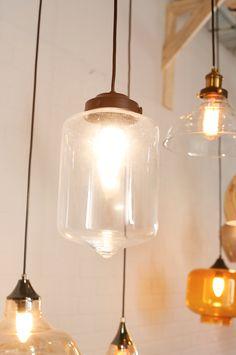 Ilumina tus espacios con colgantes vintage y llénalo de armonía.