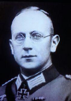 Generalmajor Bruno Chrobek (09 October 1895 - 10 December 1942), commander 54. Infanterie Regiment, 672. Infanterie Regiment. Knight's Cross on 04 July 1940 as Major and commander of I./54. Infanterie Regiment.  Bruno Chrobek was killed on 10 December 1942, during the Battle of Stalingrad. He was posthumously promoted to Generalmajor.