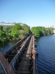 Rail line to Cambridge over the Charles River