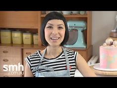 Katherine Sabbath's watercolour sponge cake frosting tutorial - YouTube