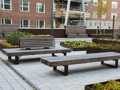 Op maat gemaakte banken voor het Karolinska Ziekenhuis in Zweden. Outdoor Furniture, Outdoor Decor, Bench, Home Decor, Interior Design, Home Interior Design, Desk, Yard Furniture, Bench Seat