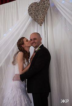 wedding photography Wedding Couples, Wedding Photos, Wedding Ideas, Country Farm, Farm Wedding, Wedding Photography, Wedding Dresses, Fashion, Marriage Pictures