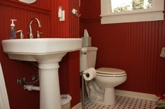 Spats Hideaway private bathroom with shower.
