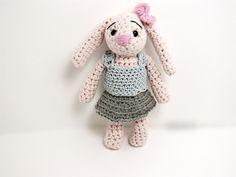 szydełko króliczek, www.szydelkowe-chwile.pl, szydełkowe maskotki, amigurumi