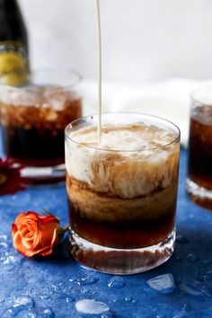 Calling all white russian fans! Easy Cocktails, Classic Cocktails, Cocktail Recipes, Drink Recipes, White Russian Cocktail, White Russian Recipes, Frozen Pizza, Root Beer, Recipe Using