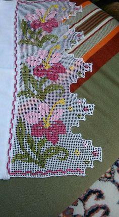 Crochet Bedspread, Crochet Pillow, Filet Crochet, Baby Knitting Patterns, Crochet Patterns, Casual Formal Dresses, Crochet Dolls, Vintage Prints, Hand Stitching