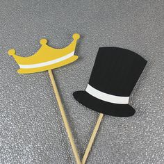 DIY Photo Booth Props: Top Hat & Crown