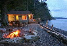 """I wanna go! ~ Boathouse rental cabin on Orcas Island, Washington State. If you don't own a cabin or """"water"""" vacation home - this is the place to go in the San Juan Islands of Washington State, where you can """"island hop"""" via Island Ferries. Tiny Beach House, House Near Beach, Orcas Island, House By The Sea, Little Cabin, Cabins And Cottages, Small Cabins, Lake Cabins, Cabins In The Woods"""