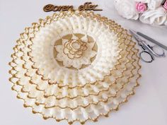 Bead Embroidery Tutorial, Border Embroidery Designs, Beaded Embroidery, Diy And Crafts, Paper Crafts, Bottle Crafts, Crochet Doilies, Diy Tutorial, Beads