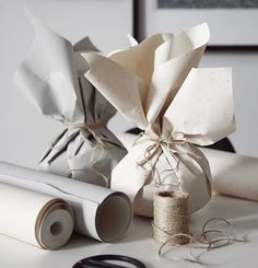 🦑christmas gifts for class,christmas gifts wrapping,holida… – Homemade presents Candle Packaging, Paper Packaging, Pretty Packaging, Gift Packaging, Design Packaging, Packaging Ideas, Present Wrapping, Creative Gift Wrapping, Wrapping Ideas