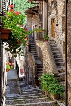 Picturesque staircase in the village of Scanno, region of #Abruzzo, #Italy