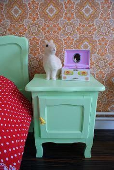 Stella's nachtkastje by Justina Maria Louisa, via Flickr