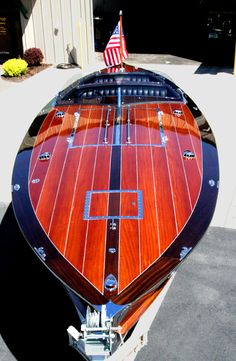 2005 29' Stan Craft Torpedo Classic Wooden Boat More