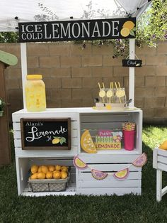 photography ideas for kids Lemonade Sign - Ice Cold Lemonade - Summer Decor - Summer Signs - Lemonade Signs - Lemon Decor - Lemonade Stand Signs - Lemonade Stand Lemonade Stand Sign, Kids Lemonade Stands, Diy For Kids, Crafts For Kids, Summer Crafts, Diys For Summer, Food Stands, Party Decoration, Birthday Decorations