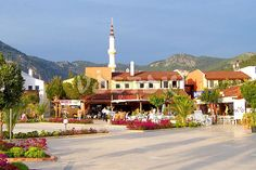 Do not miss the change to take the boat trip to Gocek market Turkey. Combine shopping with relaxing Fethiye to Gocek boat trips. We pick up from Oludeniz and Hisaronu. Stuff To Do, Things To Do, Main Street, Places To Travel, Attraction, Maine, Explore, Mansions, House Styles
