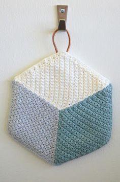 Hæklede grydelapper Quilt Patterns, Knitting Patterns, Crochet Patterns, Easy Crochet, Knit Crochet, Crochet Mandala, Washing Clothes, Pot Holders, Diy Crafts
