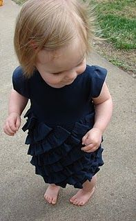 With love by Rach: Crewcuts Tea Cake Dress Knock-off & Tutorial from t shirts Dress Tutorials, Sewing Tutorials, Sewing Ideas, Sewing Projects, Sewing Patterns, Diy Projects, Toddler Dress, Baby Dress, Ruffle Dress