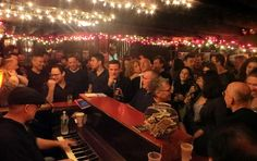 My Top 10 Favourite NON-TOURISTY Things to do in NYC! Marie's Crisis piano bar. New York.