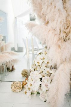 HOORAY! Mag | Florals | Flower Inspiration | Ceremony Backdrop Inspo | Pampas Grass | Rustic Wedding |