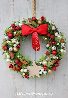 Taaakie wianki!: grudnia 2015 Tak Tak, Christmas Wreaths, Xmas, Goose Creek, Holiday Decor, Creative, Flowers, Bee, Instagram