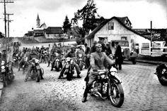 Ferro Velho Motos  Antigas : Curitiba 1939 - Motos