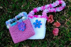 An selection of free knitting patterns for knit bags, purses and totes. Make a carry-all for your knitting. Knitting Patterns Free, Free Knitting, Baby Knitting, Free Pattern, Simple Pattern, Knit Patterns, Knitting For Kids, Knitting Projects, Knitting Ideas