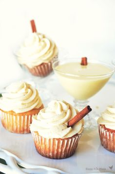 Delicious eggnog cupcakes on iheartnaptime.net ...the perfect holiday treat. #recipes