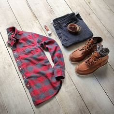 Outfit grid - Grey & red checked shirt